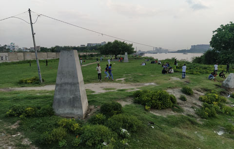 চৌরাপাড়া খেলার মাঠ রক্ষা করুন